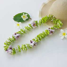 L019 GREENWHITE PURPLE HIBISCUS LEI นอน